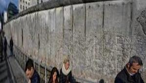 Docu-fiction: Walled in Berlin, life around the Wall in 30 posts