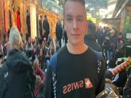 Tegel Airport: Major police operation at climate protests in Berlin - Berliner Morgenpost