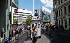 Berlin doesn't know what to do with the famous Checkpoint Charlie